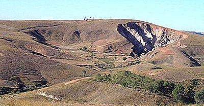 Eroziune Landforms: Ce Este Un Lavaka?