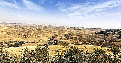Le Più Alte Montagne Della Giordania