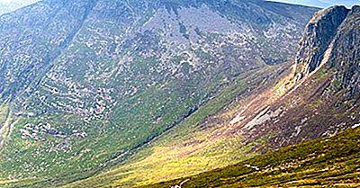 Montanhas Mais Altas Da Irlanda Do Norte