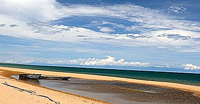 Quão Grande É O Lago Tanganica?