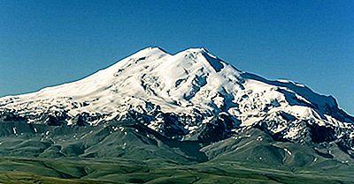Les Plus Hauts Sommets De La Chaîne De Montagnes Du Caucase