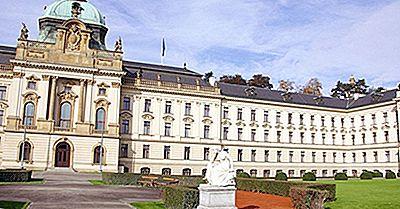 Che Tipo Di Governo Ha La Repubblica Ceca?