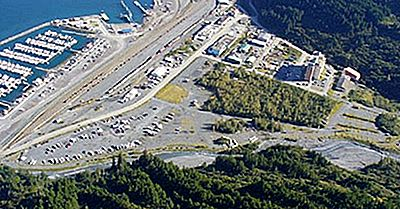 Hai Sentito Parlare Di Whittier, Alaska, The City Under One Roof?