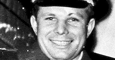 Yuri Gagarin - Famosos Exploradores Del Universo
