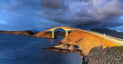 Atlantic Ocean Road, Norvegia: Unique Places In The World