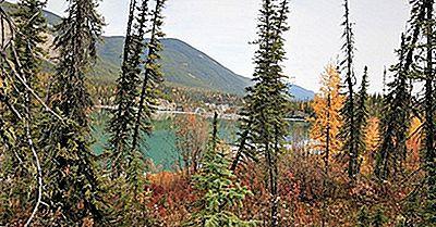 Riserva Del Parco Nazionale Di Nahanni: Patrimonio Mondiale Dell'UNESCO In Canada