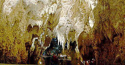 The Waitomo Glowworm Caves, Nuova Zelanda - Luoghi Unici In Tutto Il Mondo