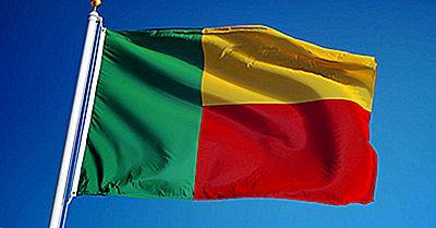 Was Bedeuten Die Farben Und Symbole Der Flagge Von Benin?